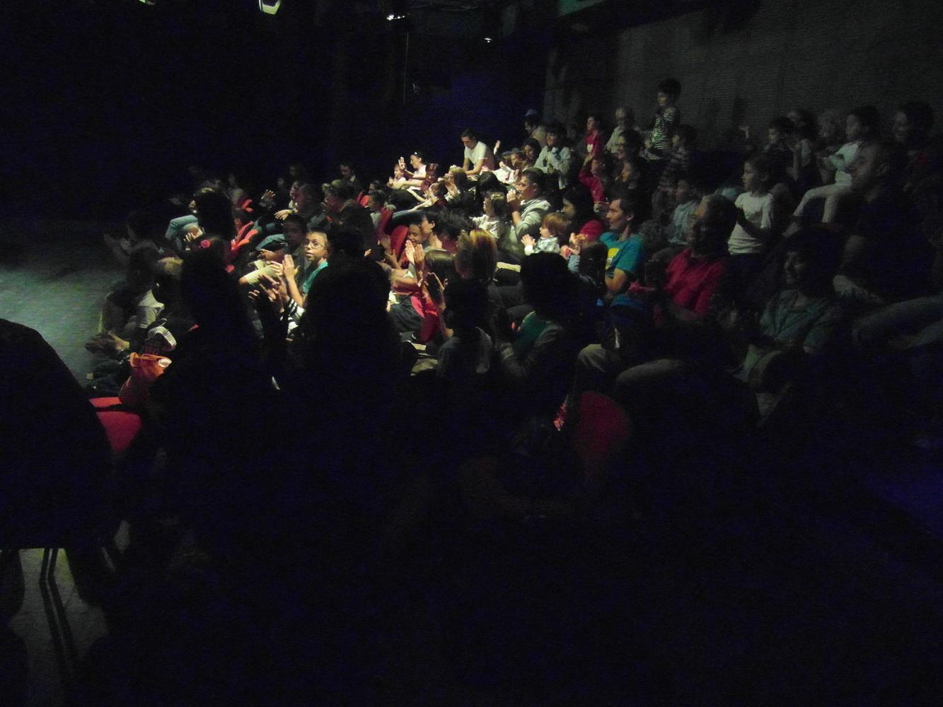 Trupa de actori păpuşari a Teatrului  Anton Pann   din nou la comunităţile de românii din  Sudul Basarabiei– regiunea Odesa