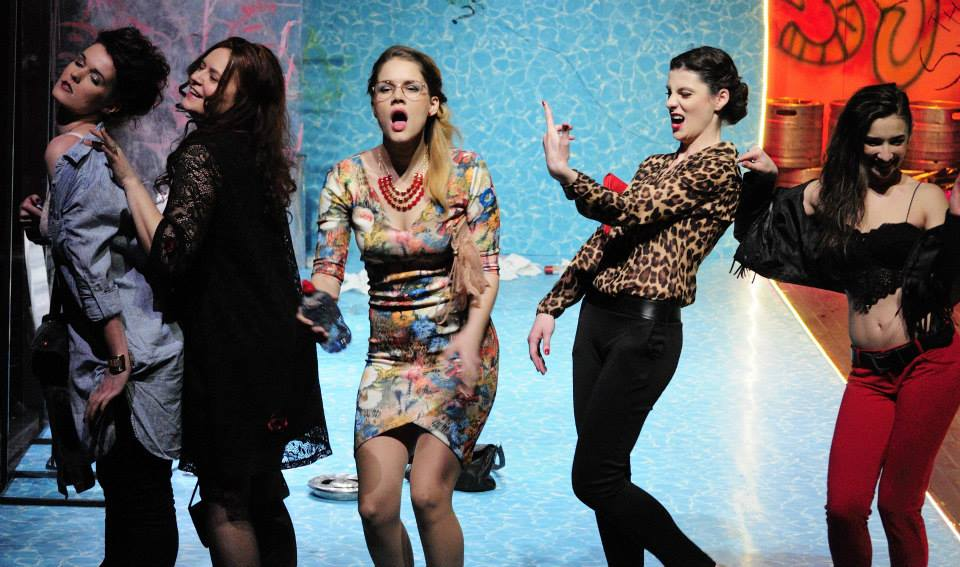 Premiera  la Teatrul Anton Pann Sâmbătă, 25 aprilie, ora 19.00 Femei/ Barbati de Willy Russell